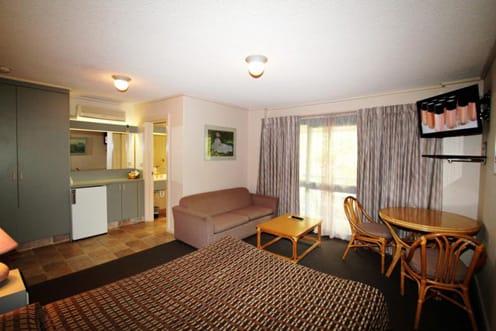 Standard queen room accommodation Sandringham in Melbourne Motel