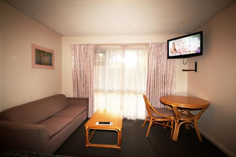 Beachside accommodation melbourne twin room
