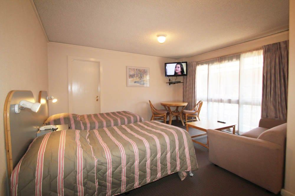 Twin Room Beds | Beaumaris Accommodation